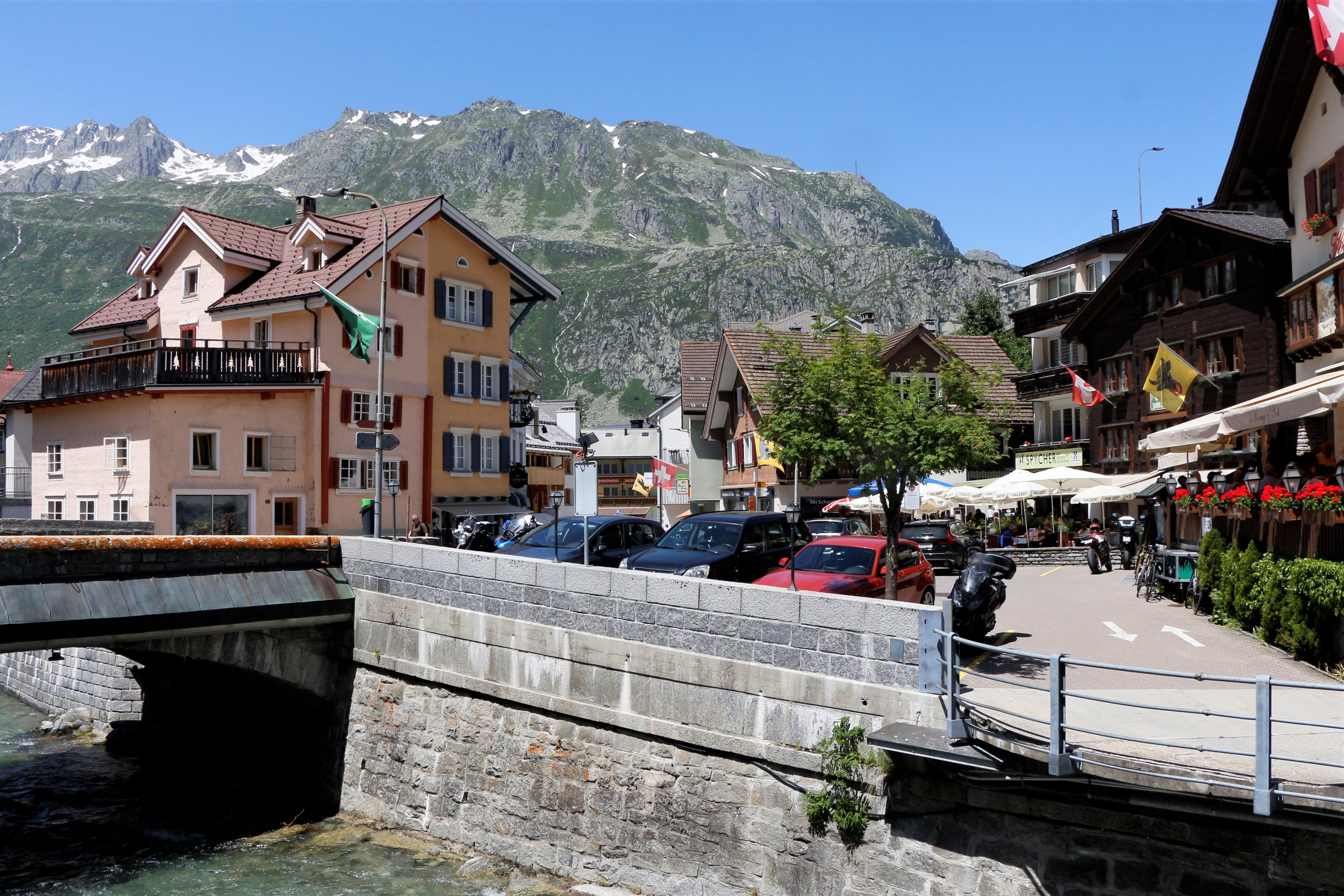 瑞士10天南北州湖江山色勝景單車遊